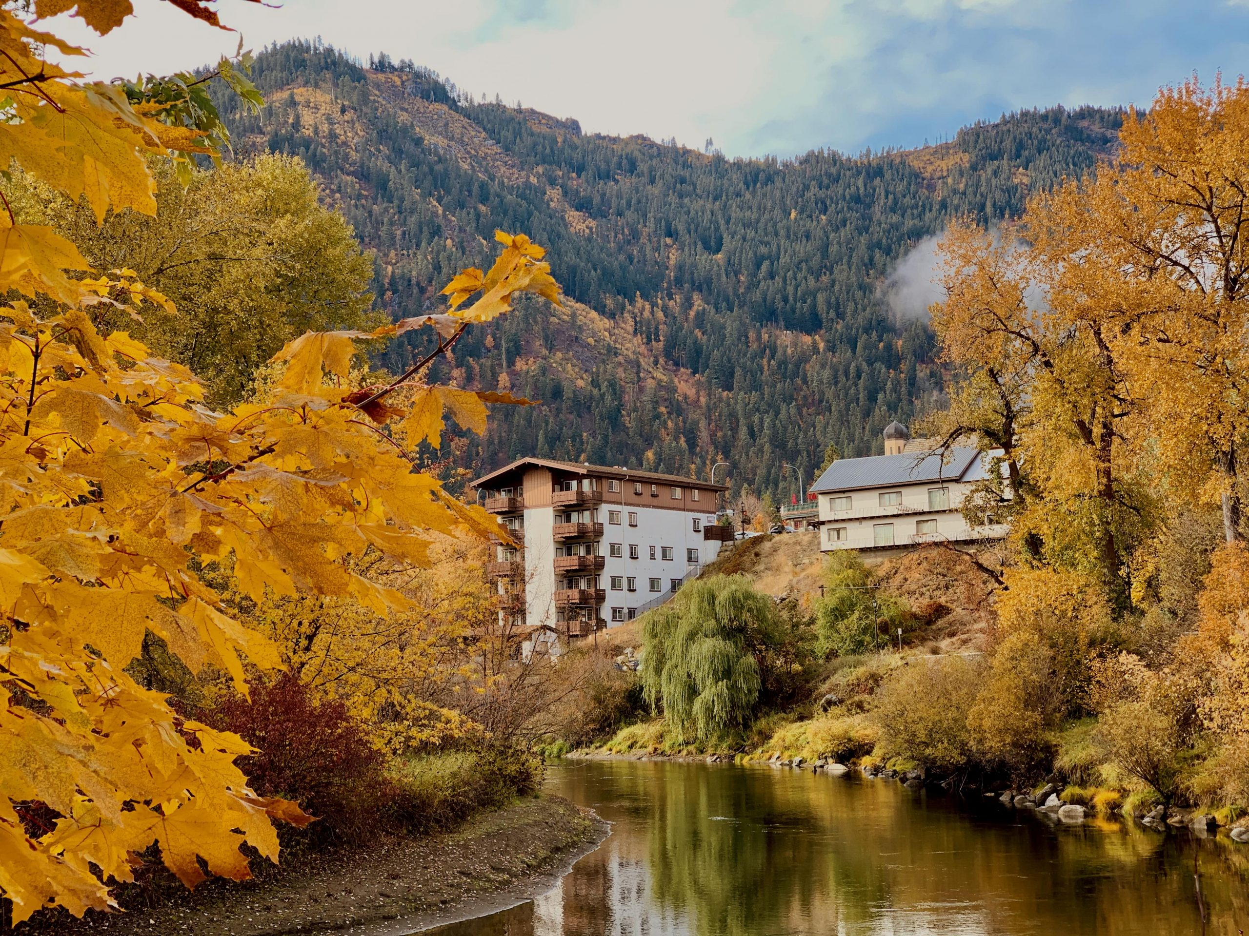 Fall colors and foliage from the waterfront park in Leavenworth, Washington