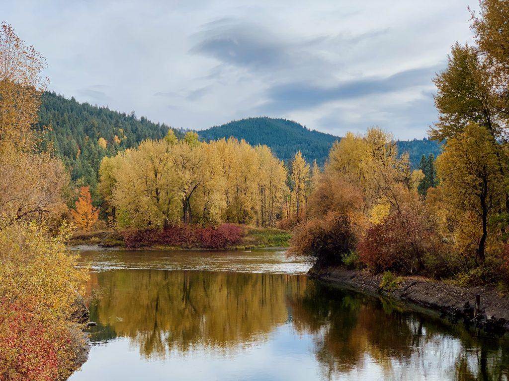 Fall foliage and colours in Leavenworth, Washington