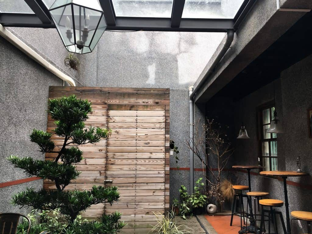 Courtyard at Modern Mode and Modern Mode Cafe in Taipei