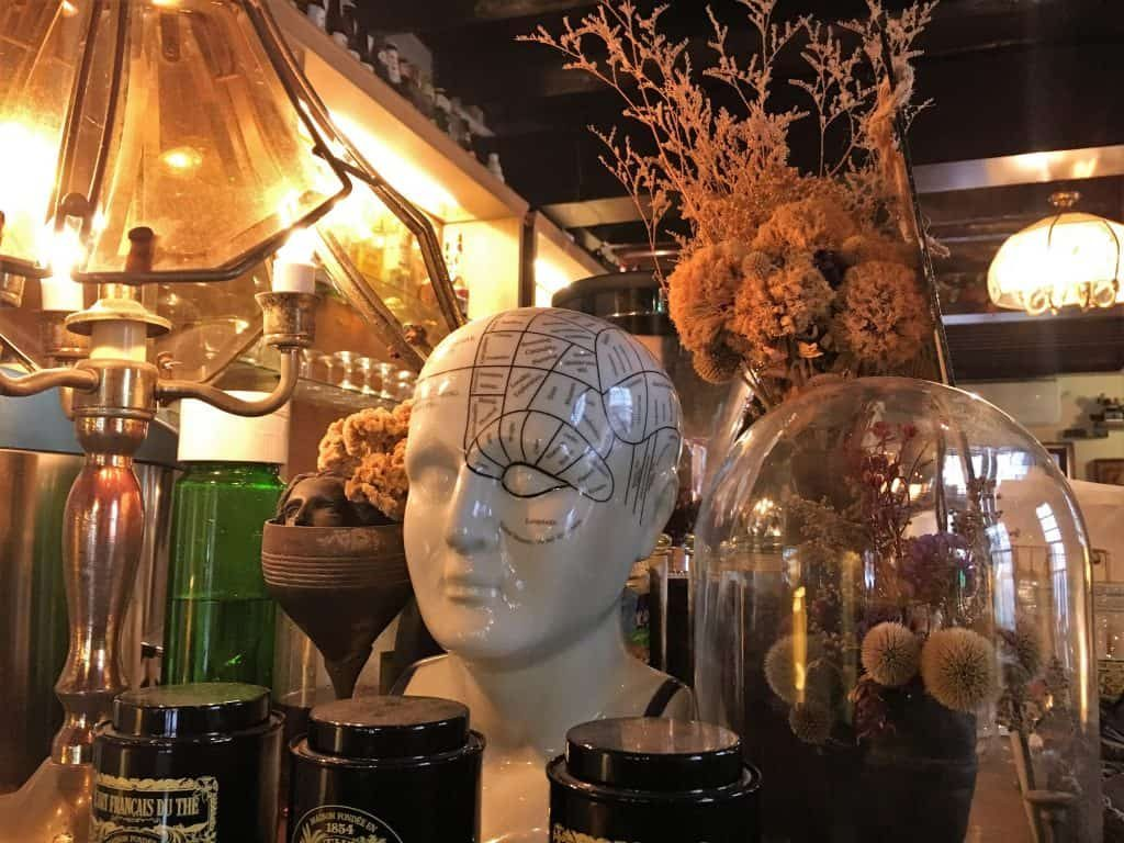 Eccentric decors at Modern Mode and Modern Mode Cafe in Taipei