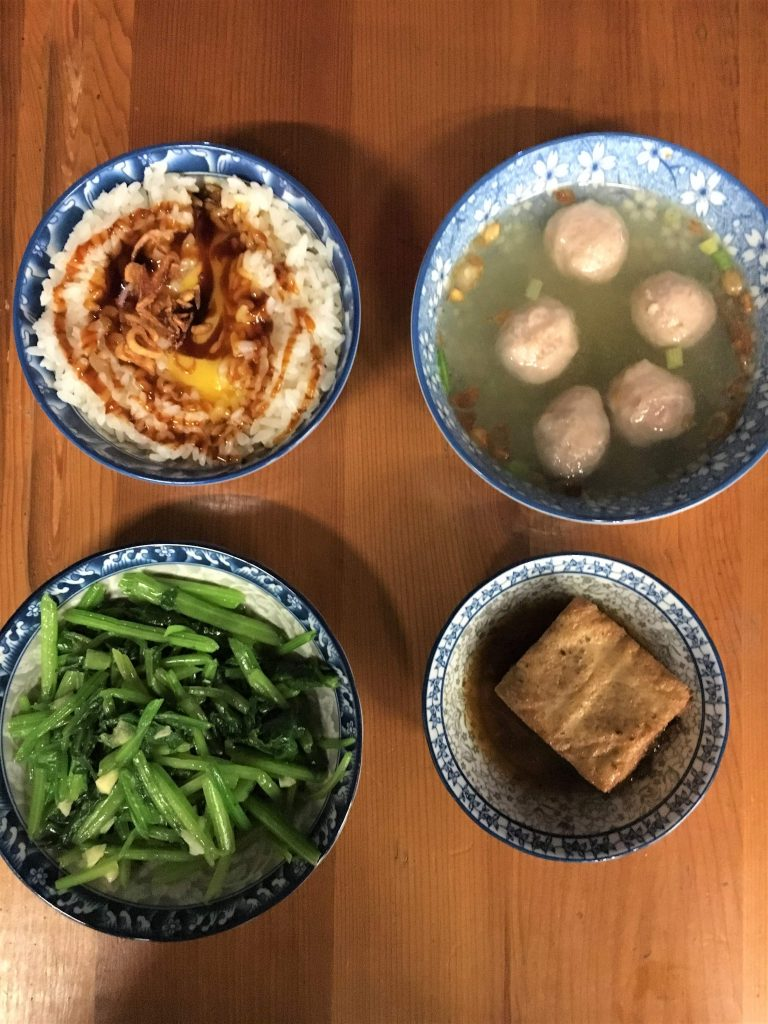 Flatlay of dishes at Ding Fu Fa Lard Bibimbap in Tainan