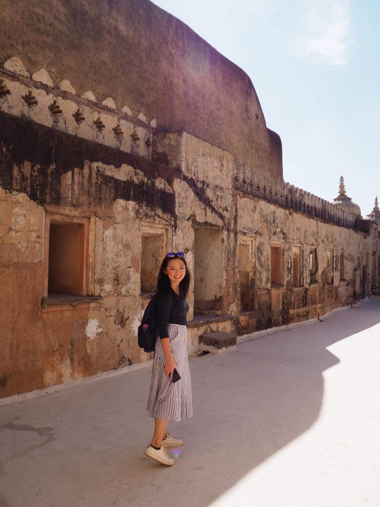 girl at amber fort on the 3-week itinerary in the golden triangle